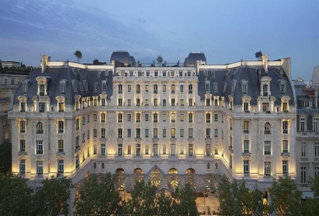 巴黎半岛酒店